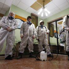 Rusijoje patvirtinti dar 8 599 koronaviruso atvejai, mirė 153 žmonės