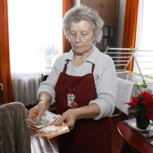 Pasimokyti gali visi: kaip tvarkytis su pinigais, geriausiai žino pensininkai