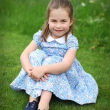 Princesė Charlotte švenčia gimtadienį: pasidalijo K. Middleton darytomis nuotraukomis