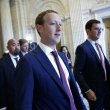 """M. Zuckerbergas žada kovoti, kad užkirstų kelią """"Facebook"""" suskaidymui"""