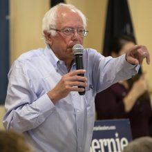 B. Sandersas nepasiduoda: po operacijos grįš į prezidentinių rinkimų kovą