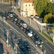 1000 eurų išmoka perkant automobilį: įvardijo, kodėl dyzeliams kompensacijų nebus