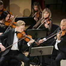 """Festivalyje """"Permainų muzika"""" – magiškas B. Kutavičiaus muzikos teatras"""