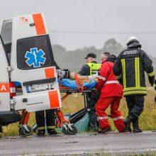 Biržų rajone po susidūrimo su krovininiu automobiliu mirė traktoriaus vairuotojas