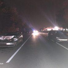 Praėjusi para keliuose: sužeisti 9 žmonės, žuvo pėsčiasis