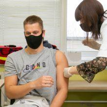 """Sustabdžius skiepijimą """"AstraZeneca"""" vakcina, antros dozės nesulaukė 29 sportininkai"""