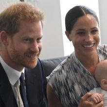 Naujausios princo Harry ir Meghan sūnaus nuotraukos: panašumas į tėvą atima žadą