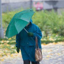 Įspėja: rinkimų dieną teks nepamiršti skėčių