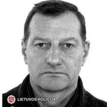 Pareigūnai ieško mįslingai dingusio vyro: šalikelėje rastas tik jo apvirtęs vilkikas