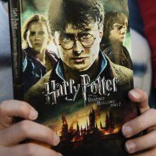Lenkijos kunigai degino knygas apie Harį Poterį: jos – šventvagiškos