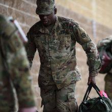 JAV kariai pradėjo pasitraukimą iš Afganistano