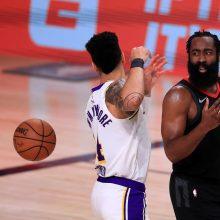 """Rekordinį """"Rockets"""" pasiūlymą atmetęs J. Hardenas paprašė mainų ir išsirinko komandą"""