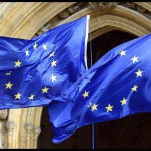 """Eurokomisaras: ES ir Kinijos investicijų paktas – """"ne visai susitarimas"""""""