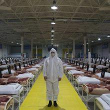 Irane su koronavirusu siejamų mirčių – daugiau nei du tūkstančiai