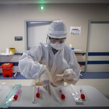 Koronavirusas patvirtintas dviem Santaros klinikų darbuotojams