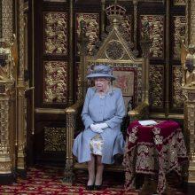 Britų karalienė sugrįžo į viešąjį gyvenimą ir pristatė naują vyriausybės darbotvarkę
