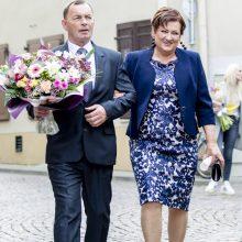 Vilniuje susituokė N. Bunkė ir E. Eidėjus: dainininkė pasipuošė įspūdinga suknele