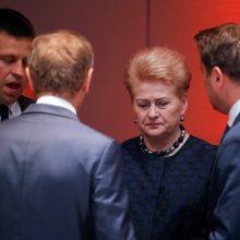 ES viršūnių susitikimas: nerandama kompromiso, derybos tęsis antradienį