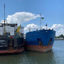 Ukrainoje sulaikyto rusų tanklaivio istorijos atomazga: jūreiviai grįžo namo