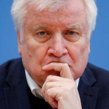 Vokietijos VRM vadovas: kraštutinių dešiniųjų keliama grėsmė saugumui – labai didelė