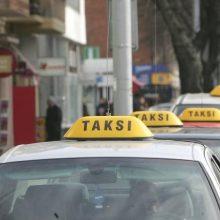 Seimas svarstys vežėjų už atlygį veiklos griežtinimą: bus išduodami leidimai