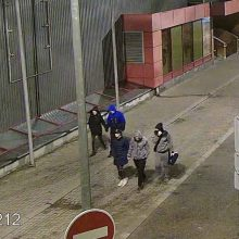 Šiaulių policija ieško vaizdo kameromis užfiksuotų asmenų (gal atpažįstate?)