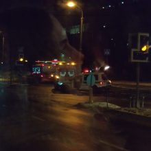 Vilniuje – susidūrimas su greitosios pagalbos automobiliu: nukentėjo moteris