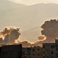 """JAV vadovaujama koalicija sudavė smūgį """"al Qaeda"""" šiaurės vakarų Sirijoje"""