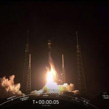 """""""SpaceX"""" paleido dar 60 savojo interneto ryšio tinklo palydovų"""