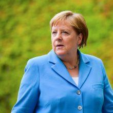 Istorija kartojasi: A. Merkel ištiko trečias per mėnesį drebulio priepuolis