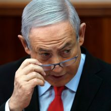 """Izraelio premjeras paragino """"Islamo džihadą"""" nutraukti išpuolius"""