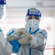 """""""Reuters"""": pasaulyje COVID-19 atvejų skaičius perkopė 15 milijonų"""