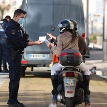 Prancūzijos policija stabdė masinius vakarėlius