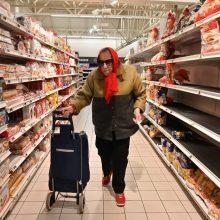 Tarnyba: prekybos vietose mažėja pažeidimų dėl karantino sąlygų nesilaikymo