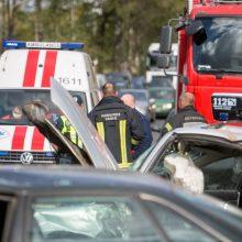 Praėjusią parą registruota daugiau nei pusšimtis eismo įvykių: žuvo mergina, sužeistas mažametis