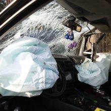 Praėjusi para keliuose paženklinta skaudžiomis nelaimėmis: žuvo žmogus, sužeisti – aštuoni