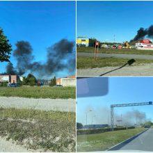 Klaipėdos ugniagesiai skubėjo į Tilžės gatvę: liepsnojo biotualetai