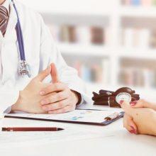 Kur pakryps svarstyklės – į pacientų ar valstybinių vaistinių pusę?