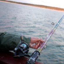 Radviliškyje ežere sprogo žvejo valtis: vyras rastas saloje