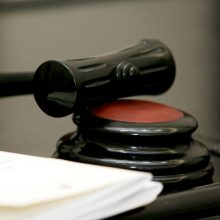 """Nyderlandų teismas patenkino buvusių """"Jukos"""" akcininkų skundą 50 mlrd. dolerių byloje"""