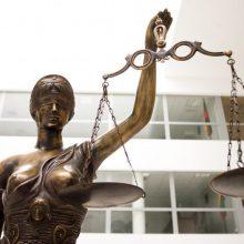 Teisėjų taryba ragina Seimo narius nemenkinti teismų