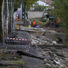Pietų Prancūzijoje dėl staigių potvynių evakuota šimtai žmonių