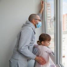 Lenkijoje – daugiau nei 3 tūkst. naujų COVID-19 atvejų, mirė 319 pacientų