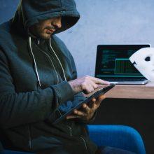 J. Kaczynskis: šiemet prieš Lenkiją įvykdyta didelio masto kibernetinė ataka surengta iš Rusijos