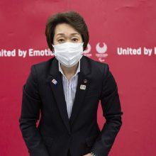 Naujoji Tokijo olimpiados vadovė žada atgauti pasitikėjimą po ginčo seksizmo klausimu