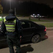 Kauno pareigūnams įkliuvo lakstūnas: greitį viršijo daugiau nei dvigubai