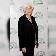 "Eidama 90 metus mirė ""Oskaro"" laureatė O. Dukakis"
