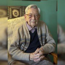 Mirė seniausias pasaulyje vyras – 112 metų britas B. Weightonas