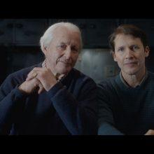 """J. Bluntas pristatė """"Monsters"""" vaizdo klipą: nusifilmavo su sergančiu tėvu"""