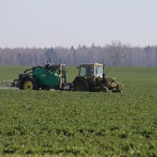 Dėmesio ženklų pakaunės žemdirbiams nemažėja